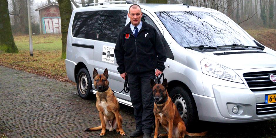 Gecertificeerde beveiligers en honden